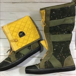 Sorel green tall cotton boots,yellow lining US 8
